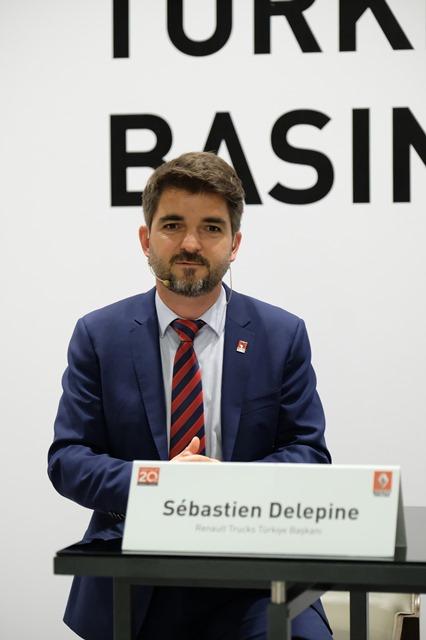 sebastien-delepine_renault-trucks-türkiye-başkani_gorsel-1-003.jpg