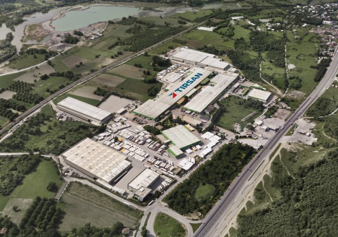 tirsan-treyler-adapazari-fabrika.jpg