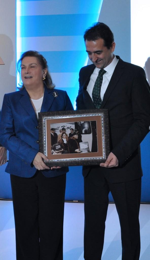 Temsa-Safir-VIP-otobüs lansmanı Güler Sabancı-Kemal Erdoğan